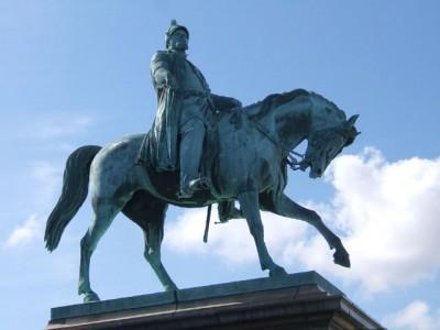 Da li znate šta položaj konja govori o junaku čiji je spomenik?