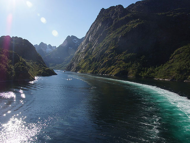 Fjordovi-ledeni morski zalivi