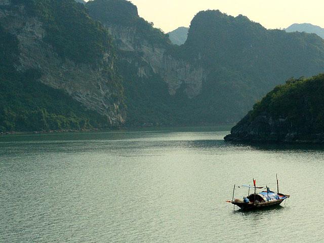 Ha Long, zaliv plutajućih domova
