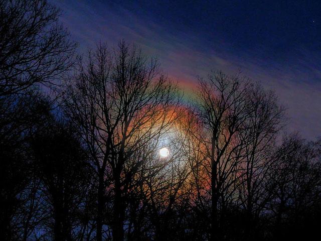 Lunarna duga, ukras noći
