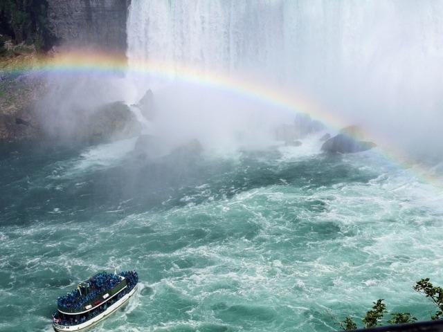 Nijagarini vodopadi, ogromna vodena zavesa očaravajuće lepote
