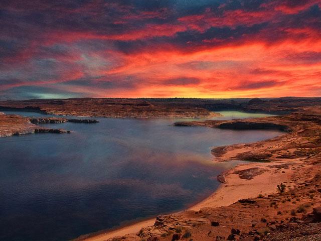 Pauel, najlepše veštačko jezero na Zemlji
