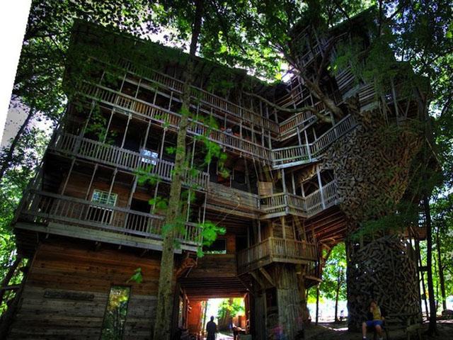 Ako ste kao dete maštali o kućici na drvetu ovo će vam se dopasti...