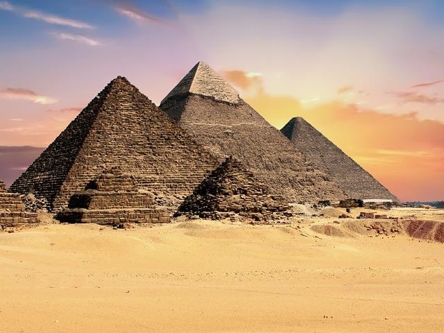 Da li znate da je čuvenoj kraljici Kleopatri bliže naše vreme od perioda gradnje piramida?
