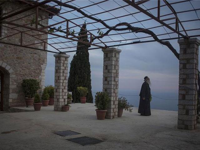 Da li je samo ženskim osobama zabranjen ulazak u Svetu goru?