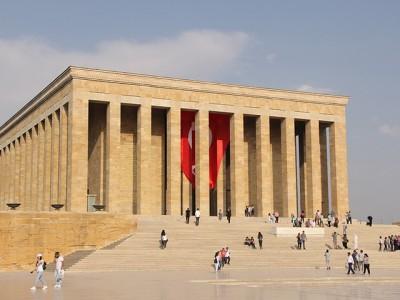 Koji je glavni grad Turske i koji događaj je tome prethodio?