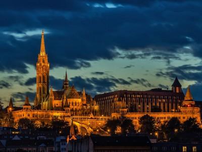 Budimpešta, grad na lepom plavom Dunavu
