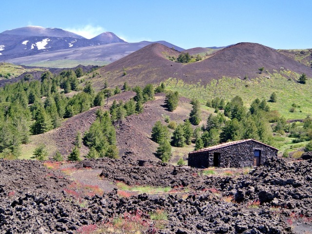 Etna, dobroćudni džin koji motri na Siciliju