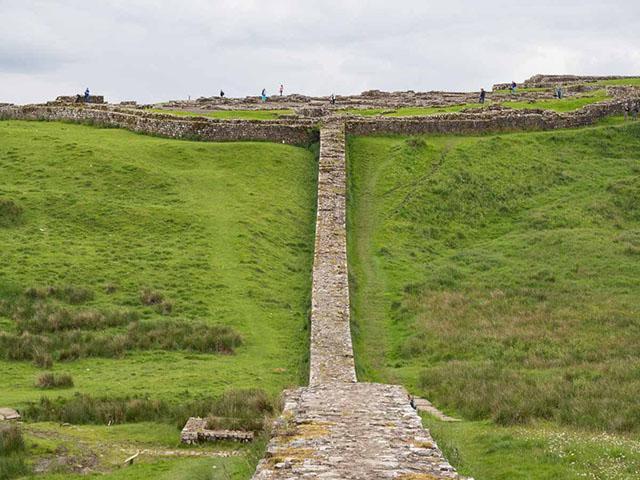 Hadrijanov zid, severna granica moćnog Rimskog carstva