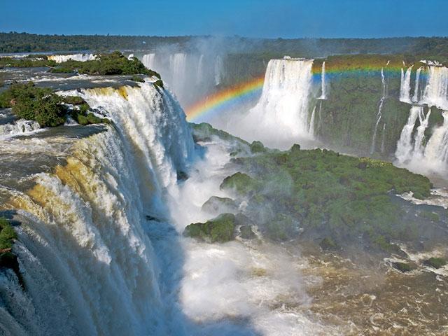 Iguasu vodopadi, viši od Nijagarinih, širi od Viktorijinih