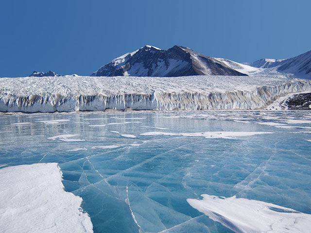 Led veličine kontinenta