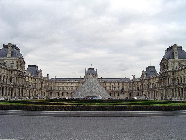 Luvr, najveći muzej sveta i mesto gde vas čeka Mona Liza