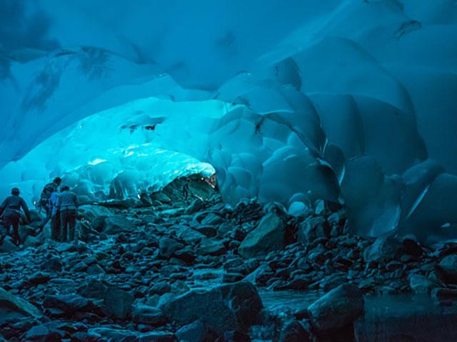 Medenhol ledena pećina, zavirite u srce lednika