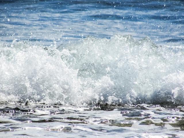 Talasi, plima i oseka – kretanja morske vode od kojih zavisi obalska zona